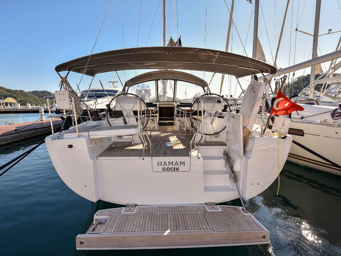 Get on the water and enjoy  in style on our Hanse Yachts Hanse 508