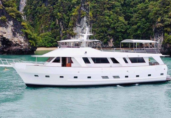Classic 70 ft motor yacht to cruise in Phuket