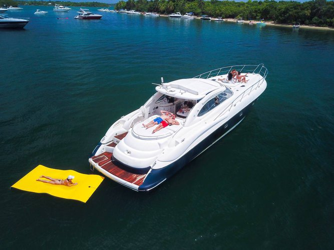 60' Sunseeker Predator Yacht / Floating island included
