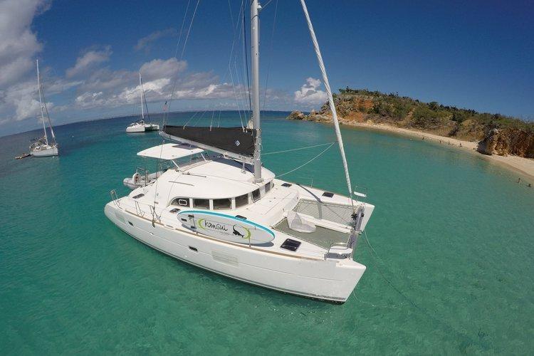 Full Crewed Sail Catamaran for a Comfortable and Fun Day at Sea!