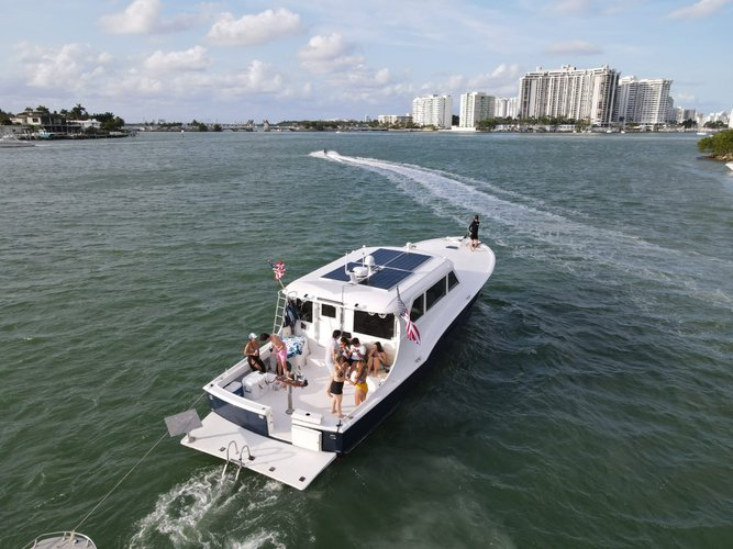 Classic boat for rent in Miami