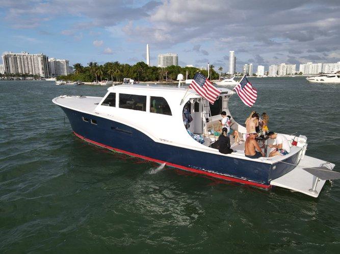Hattera Yacht's 58.0 feet in Miami